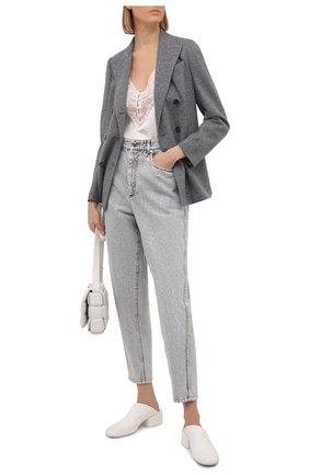 Женские джинсы BRUNELLO CUCINELLI серого цвета, арт. MP095P5654   Фото 2