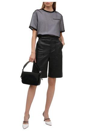 Женская шелковая футболка ALEXANDER MCQUEEN черного цвета, арт. 654002/QLAAA | Фото 2 (Стили: Гранж; Длина (для топов): Стандартные; Материал внешний: Шелк; Женское Кросс-КТ: Футболка-одежда; Принт: С принтом; Рукава: Короткие; Материал подклада: Хлопок)