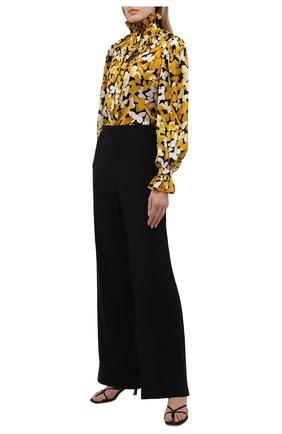 Женская шелковая блузка SAINT LAURENT желтого цвета, арт. 655326/Y6C13 | Фото 2 (Длина (для топов): Стандартные; Женское Кросс-КТ: Блуза-одежда; Принт: С принтом; Материал внешний: Шелк; Рукава: Длинные; Стили: Бохо)