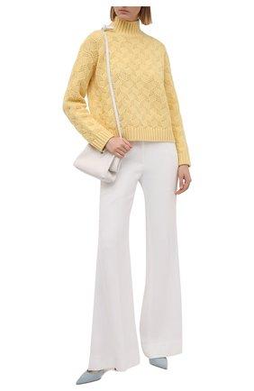 Женский шерстяной свитер LORO PIANA желтого цвета, арт. FAL5518   Фото 2 (Женское Кросс-КТ: Свитер-одежда; Длина (для топов): Стандартные; Рукава: Длинные; Материал внешний: Шерсть; Стили: Кэжуэл)