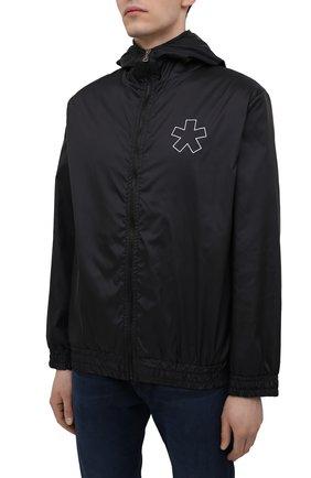 Мужской бомбер COMME DES FUCKDOWN черного цвета, арт. CDFU1159 | Фото 3 (Кросс-КТ: Куртка; Рукава: Длинные; Материал внешний: Синтетический материал; Принт: С принтом; Стили: Спорт-шик; Мужское Кросс-КТ: Куртка-верхняя одежда; Длина (верхняя одежда): Короткие)