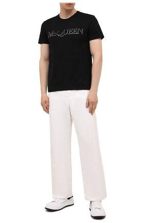 Мужская хлопковая футболка ALEXANDER MCQUEEN черного цвета, арт. 649876/QRZ56 | Фото 2 (Стили: Кэжуэл; Рукава: Короткие; Длина (для топов): Стандартные; Принт: С принтом; Материал внешний: Хлопок)