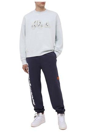 Мужские хлопковые джоггеры HERON PRESTON синего цвета, арт. HMCH014S21JER0010701 | Фото 2 (Мужское Кросс-КТ: Брюки-трикотаж, Джоггеры-одежда; Силуэт М (брюки): Джоггеры; Материал внешний: Хлопок; Стили: Спорт-шик; Длина (брюки, джинсы): Стандартные)