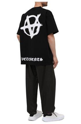 Мужская хлопковая футболка VETEMENTS черного цвета, арт. UA52TR490W 1602/M | Фото 2