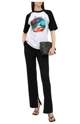 Женская хлопковая футболка loewe x paula's ibiza LOEWE черно-белого цвета, арт. S616Y22X14 | Фото 2 (Рукава: Короткие; Материал внешний: Хлопок; Принт: С принтом; Длина (для топов): Стандартные; Стили: Бохо; Женское Кросс-КТ: Футболка-одежда)