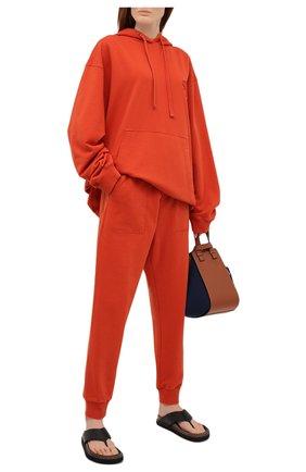 Женские хлопковые джоггеры NANUSHKA оранжевого цвета, арт. SHAY_MARSALA_0RGANIC FLEECE   Фото 2
