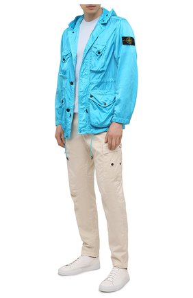 Мужская куртка STONE ISLAND бирюзового цвета, арт. 741544430 | Фото 2 (Материал внешний: Синтетический материал; Стили: Гранж; Кросс-КТ: Куртка, Ветровка; Длина (верхняя одежда): До середины бедра; Рукава: Длинные)