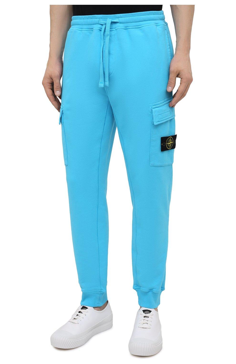 Мужские хлопковые джоггеры STONE ISLAND бирюзового цвета, арт. 741565251   Фото 3 (Мужское Кросс-КТ: Брюки-трикотаж; Длина (брюки, джинсы): Стандартные; Материал внешний: Хлопок; Стили: Спорт-шик; Силуэт М (брюки): Джоггеры)