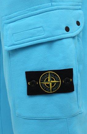 Мужские хлопковые джоггеры STONE ISLAND бирюзового цвета, арт. 741565251   Фото 5 (Мужское Кросс-КТ: Брюки-трикотаж; Длина (брюки, джинсы): Стандартные; Материал внешний: Хлопок; Стили: Спорт-шик; Силуэт М (брюки): Джоггеры)