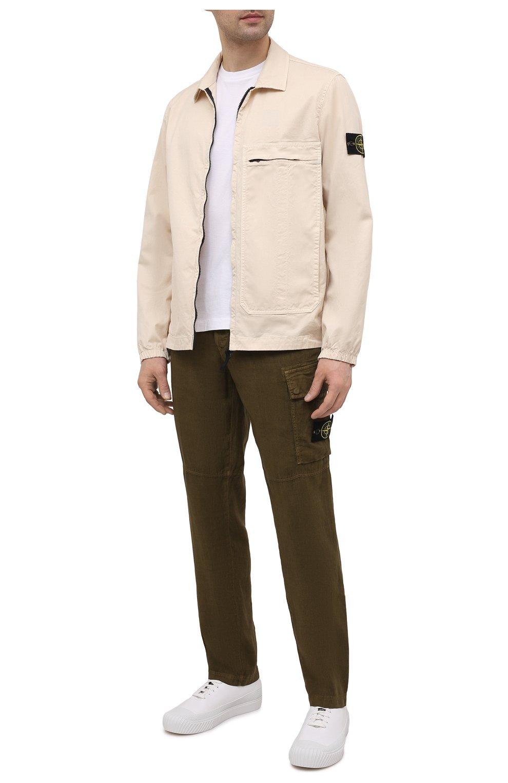 Мужские льняные брюки-карго STONE ISLAND хаки цвета, арт. 741531601   Фото 2 (Силуэт М (брюки): Карго; Длина (брюки, джинсы): Стандартные; Случай: Повседневный; Стили: Милитари; Материал внешний: Лен)