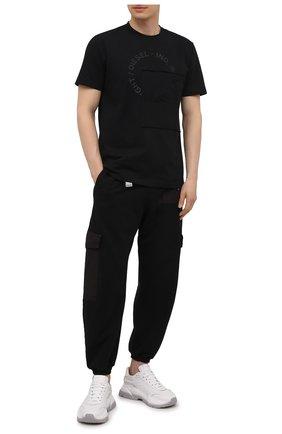 Мужские хлопковые джоггеры ICEBERG черного цвета, арт. 21E I1P0/B120/4057 | Фото 2 (Мужское Кросс-КТ: Брюки-трикотаж; Стили: Спорт-шик; Материал внешний: Хлопок; Силуэт М (брюки): Джоггеры; Длина (брюки, джинсы): Укороченные)