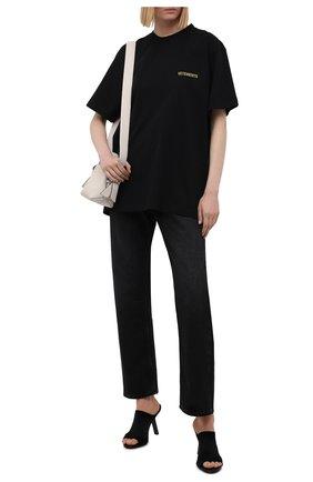 Женская хлопковая футболка VETEMENTS черного цвета, арт. UA52TR240B 1602/W   Фото 2