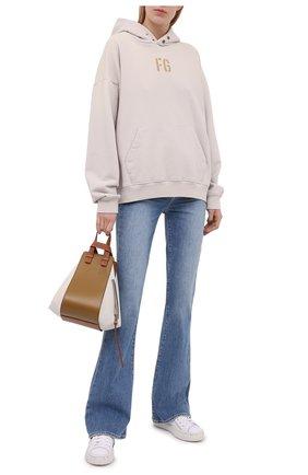 Женские джинсы PAIGE голубого цвета, арт. 6629B61-3545 | Фото 2