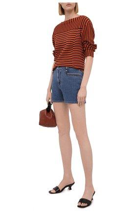 Женские джинсовые шорты CHLOÉ синего цвета, арт. CHC21UDS04151 | Фото 2 (Материал внешний: Хлопок; Стили: Гранж; Длина Ж (юбки, платья, шорты): Мини; Женское Кросс-КТ: Шорты-одежда; Кросс-КТ: Деним)