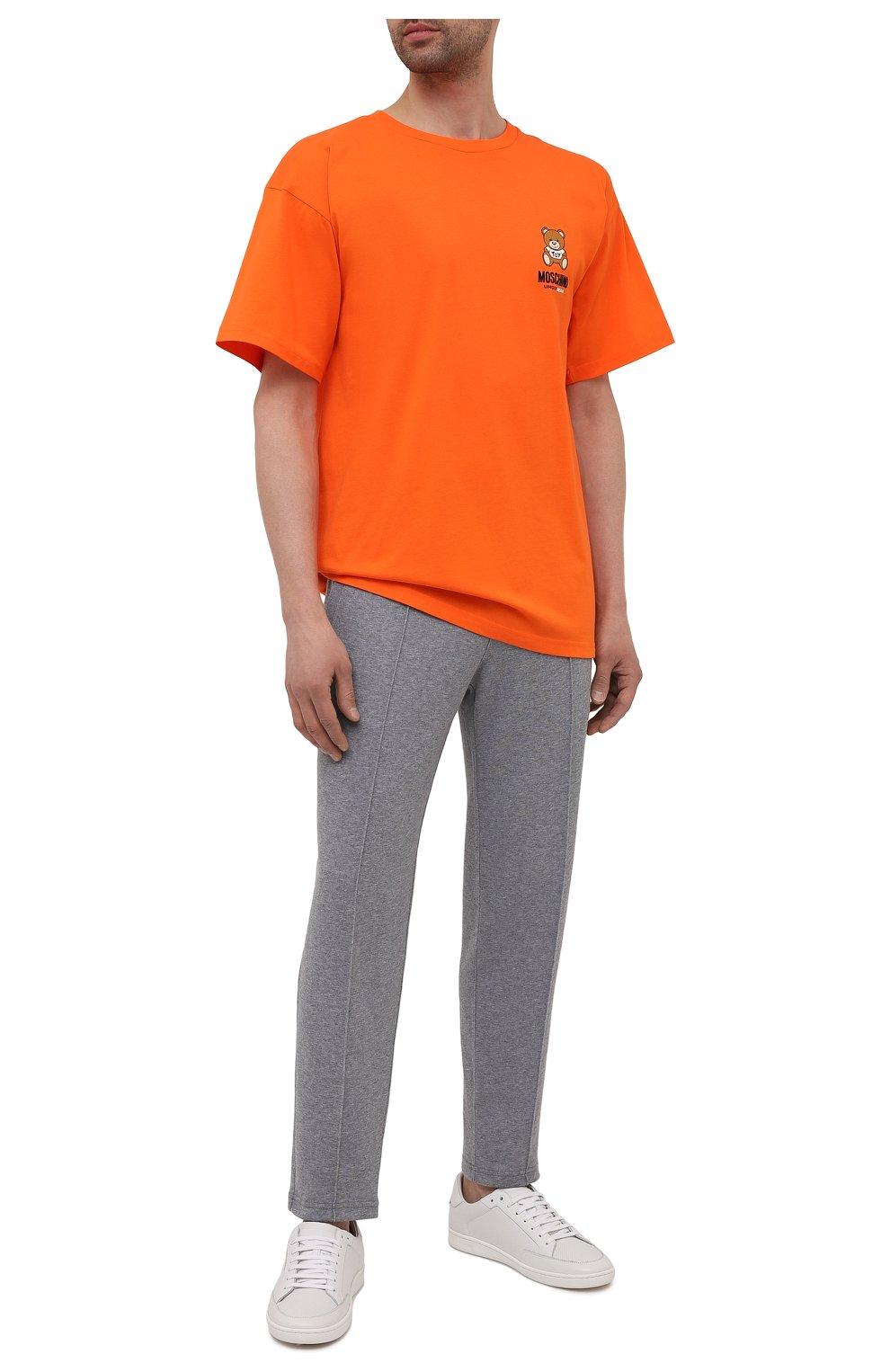 Мужская хлопковая футболка MOSCHINO оранжевого цвета, арт. A1923/8125 | Фото 2 (Кросс-КТ: домашняя одежда; Рукава: Короткие; Длина (для топов): Стандартные; Материал внешний: Хлопок; Мужское Кросс-КТ: Футболка-белье)