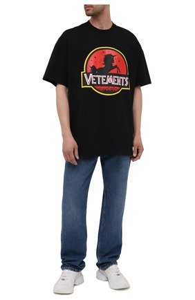 Мужская хлопковая футболка VETEMENTS черного цвета, арт. UA52TR320B 1602/M | Фото 2