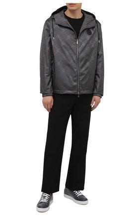 Мужская куртка BERLUTI серого цвета, арт. R200BU80-001   Фото 2 (Материал внешний: Синтетический материал; Кросс-КТ: Ветровка, Куртка; Рукава: Длинные; Длина (верхняя одежда): Короткие; Стили: Кэжуэл; Материал подклада: Синтетический материал)