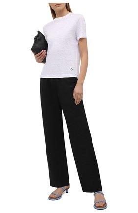 Женская льняная футболка LORO PIANA белого цвета, арт. FAL5832   Фото 2 (Длина (для топов): Стандартные; Рукава: Короткие; Стили: Кэжуэл; Женское Кросс-КТ: Футболка-одежда; Материал внешний: Лен; Принт: Без принта)