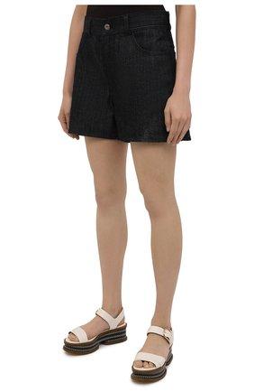 Женские джинсовые шорты JIL SANDER темно-синего цвета, арт. JPPS663122-WS246700 | Фото 3 (Женское Кросс-КТ: Шорты-одежда; Кросс-КТ: Деним; Длина Ж (юбки, платья, шорты): Мини; Материал внешний: Хлопок; Стили: Минимализм)