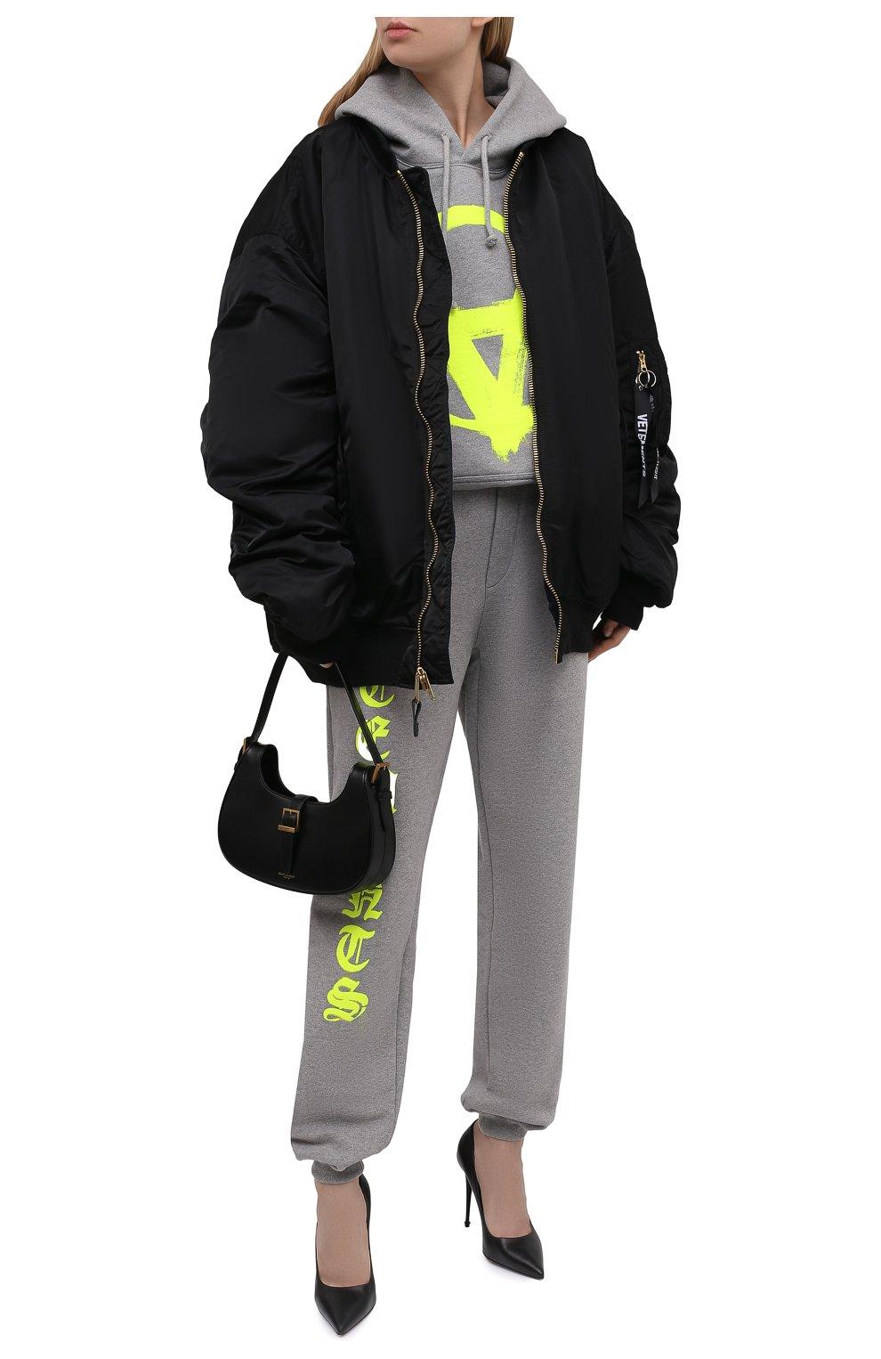 Женский хлопковое худи VETEMENTS серого цвета, арт. UA52TR820G 1601/W | Фото 2