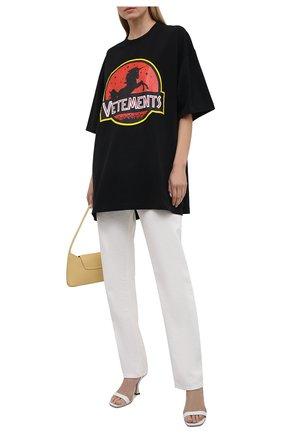 Женская хлопковая футболка VETEMENTS черного цвета, арт. UA52TR320B 1602/W | Фото 2