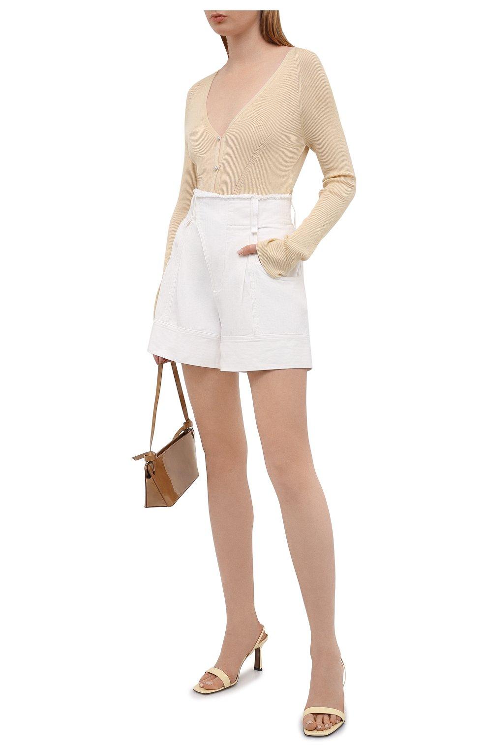 Женские джинсовые шорты CHLOÉ белого цвета, арт. CHC21UDS21048 | Фото 2 (Женское Кросс-КТ: Шорты-одежда; Кросс-КТ: Деним; Длина Ж (юбки, платья, шорты): Мини; Материал внешний: Хлопок; Стили: Романтичный)