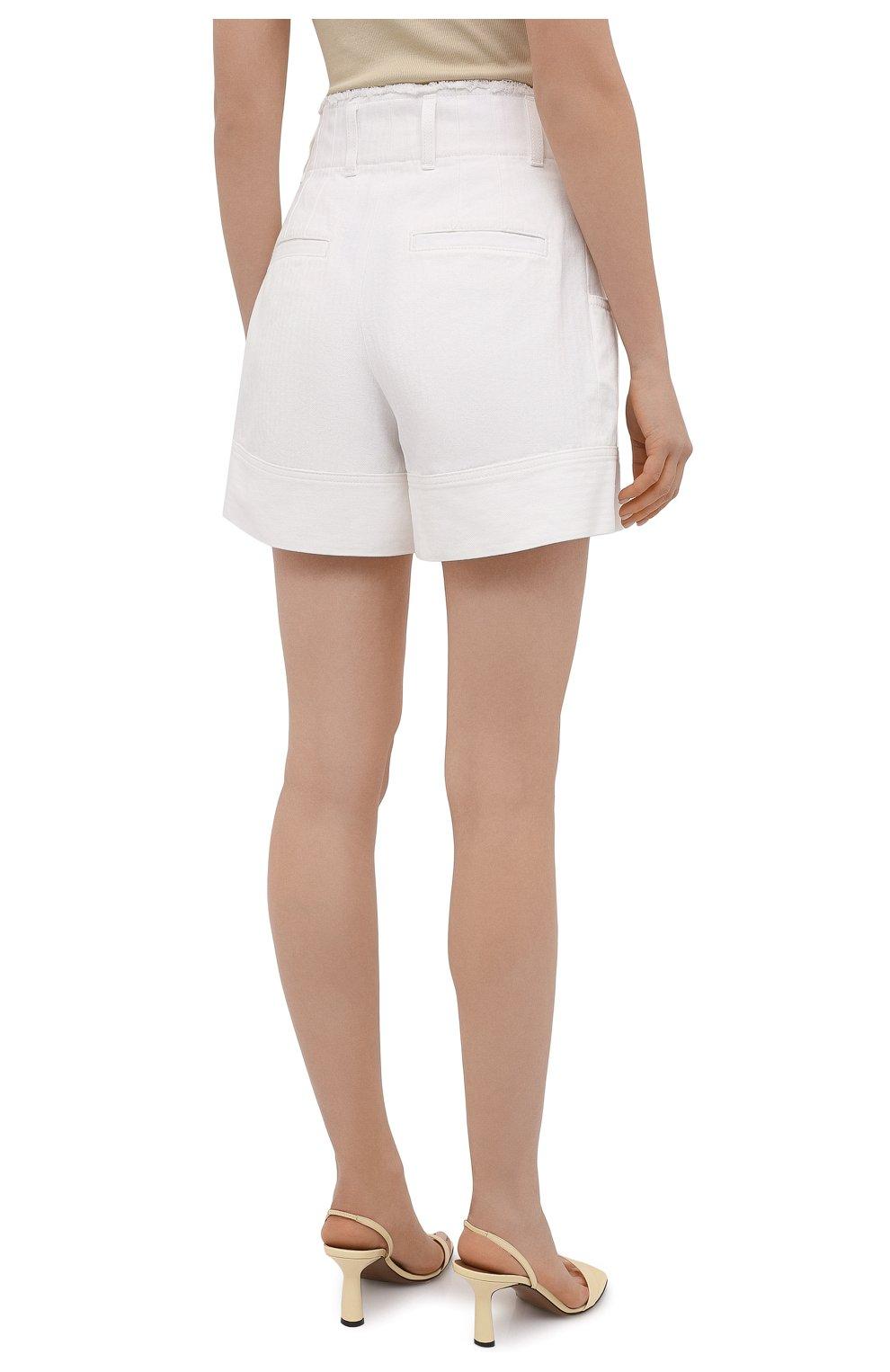 Женские джинсовые шорты CHLOÉ белого цвета, арт. CHC21UDS21048 | Фото 4 (Женское Кросс-КТ: Шорты-одежда; Кросс-КТ: Деним; Длина Ж (юбки, платья, шорты): Мини; Материал внешний: Хлопок; Стили: Романтичный)