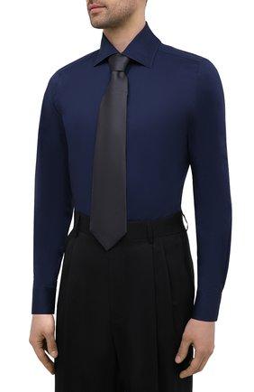 Мужская хлопковая сорочка LUIGI BORRELLI темно-синего цвета, арт. EV08/LUCIAN0/S10715   Фото 4 (Рукава: Длинные; Длина (для топов): Стандартные; Рубашки М: Slim Fit; Материал внешний: Хлопок; Стили: Классический; Случай: Формальный)