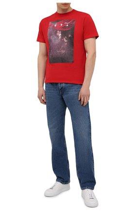 Мужская хлопковая футболка OFF-WHITE красного цвета, арт. 0MAA027S21JER010 | Фото 2 (Материал внешний: Хлопок; Стили: Гранж; Принт: С принтом; Длина (для топов): Стандартные; Рукава: Короткие)