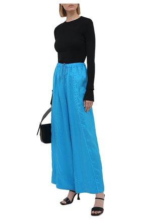Женские шелковые брюки FORTE_FORTE голубого цвета, арт. 8230 | Фото 2