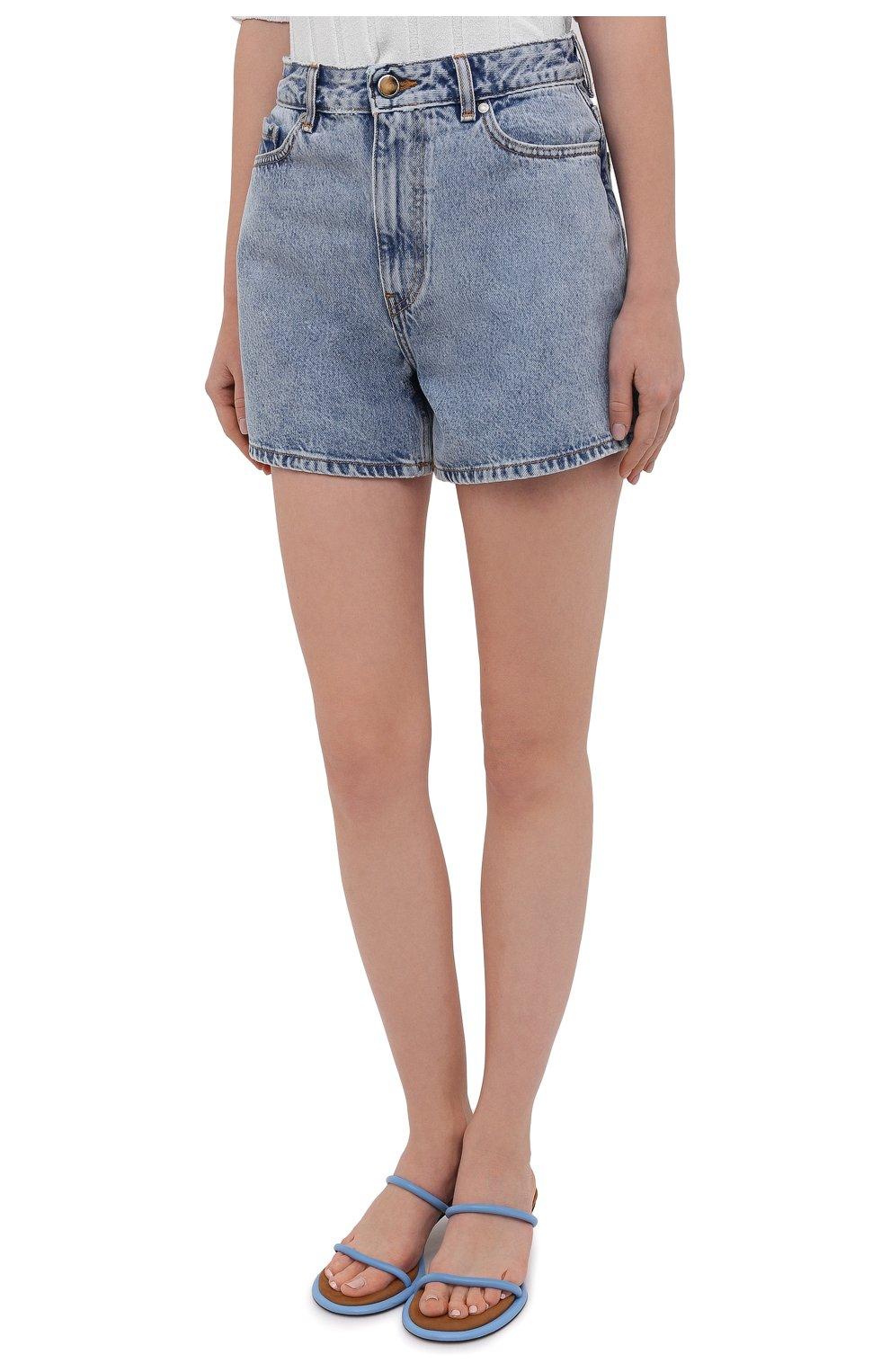 Женские джинсовые шорты GANNI голубого цвета, арт. F5789 | Фото 3 (Женское Кросс-КТ: Шорты-одежда; Кросс-КТ: Деним; Длина Ж (юбки, платья, шорты): Мини; Стили: Гранж; Материал внешний: Хлопок)
