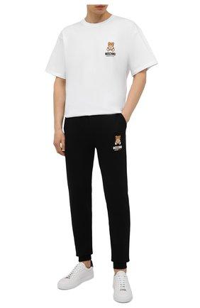 Мужская хлопковая футболка MOSCHINO белого цвета, арт. A1923/8125 | Фото 2