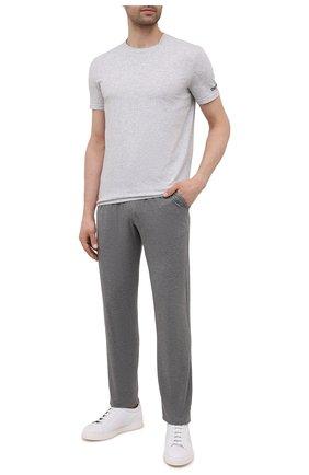 Мужская хлопковая футболка DSQUARED2 серого цвета, арт. D9M203520 | Фото 2 (Материал внешний: Хлопок; Рукава: Короткие; Мужское Кросс-КТ: Футболка-белье; Кросс-КТ: домашняя одежда; Длина (для топов): Стандартные)