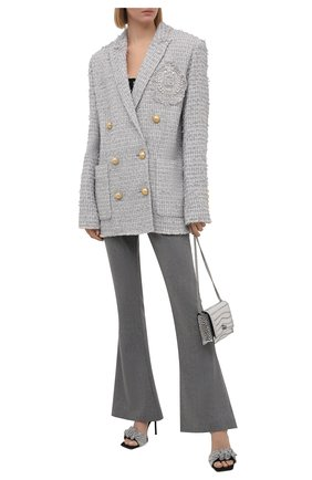 Женские шерстяные брюки BALMAIN серого цвета, арт. VF0PP010/W128   Фото 2 (Материал внешний: Шерсть; Женское Кросс-КТ: Брюки-одежда; Длина (брюки, джинсы): Удлиненные; Стили: Гламурный; Силуэт Ж (брюки и джинсы): Расклешенные)