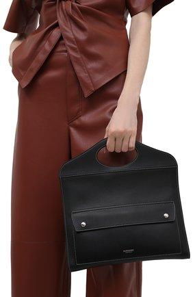 Женская сумка pocket BURBERRY черного цвета, арт. 8041251 | Фото 2 (Ремень/цепочка: На ремешке; Сумки-технические: Сумки через плечо; Материал: Натуральная кожа)