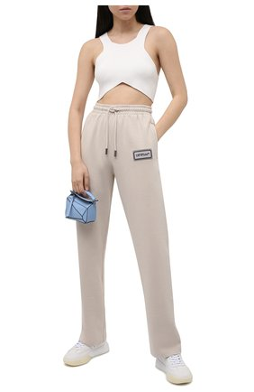 Женские хлопковые брюки OFF-WHITE серого цвета, арт. 0WCH008S21JER001 | Фото 2