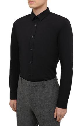 Мужская хлопковая сорочка HUGO черного цвета, арт. 50425897   Фото 3 (Воротник: Кент; Рукава: Длинные; Рубашки М: Regular Fit; Длина (для топов): Стандартные; Материал внешний: Хлопок; Стили: Классический; Случай: Формальный)