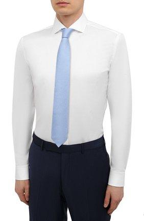 Мужская хлопковая сорочка HUGO белого цвета, арт. 50289491 | Фото 4 (Манжеты: На пуговицах; Рукава: Длинные; Воротник: Акула; Длина (для топов): Стандартные; Рубашки М: Slim Fit; Материал внешний: Хлопок; Стили: Классический; Случай: Формальный; Принт: Однотонные)