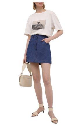 Женская джинсовая юбка FENDI синего цвета, арт. FLQ540 AF73 | Фото 2