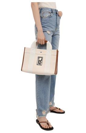 Женский сумка-тоут RUE DE VERNEUIL кремвого цвета, арт. TRAVELLER M L0G0 PRINT CANVAS   Фото 2 (Ремень/цепочка: На ремешке; Сумки-технические: Сумки-шопперы; Материал: Текстиль; Размер: medium)