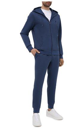 Мужские джоггеры POLO RALPH LAUREN синего цвета, арт. 710652314 | Фото 2 (Стили: Спорт-шик; Материал внешний: Синтетический материал, Хлопок; Силуэт М (брюки): Джоггеры; Мужское Кросс-КТ: Брюки-трикотаж; Длина (брюки, джинсы): Стандартные; Кросс-КТ: Спорт)