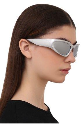 Женские солнцезащитные очки BALENCIAGA серебряного цвета, арт. 658745/T0007 | Фото 2