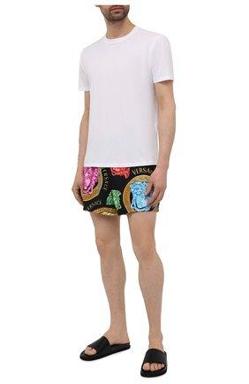 Мужские плавки-шорты VERSACE разноцветного цвета, арт. ABU90003/1F01220 | Фото 2
