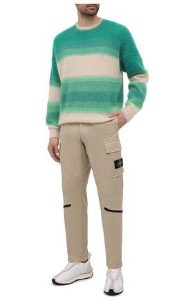 Мужские хлопковые брюки-карго STONE ISLAND бежевого цвета, арт. 741530419 | Фото 2
