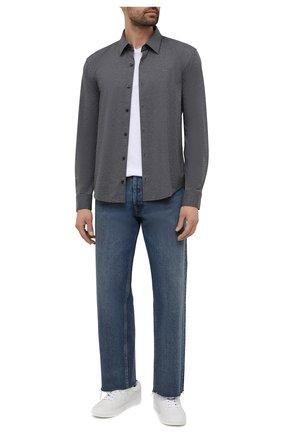 Мужская рубашка HUGO серого цвета, арт. 50450184   Фото 2 (Манжеты: На пуговицах; Случай: Повседневный; Стили: Кэжуэл; Воротник: Кент; Материал внешний: Синтетический материал; Принт: Однотонные; Длина (для топов): Стандартные; Рукава: Длинные)