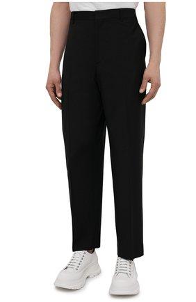 Мужские шерстяные брюки VALENTINO черного цвета, арт. WV3RBG8125S | Фото 3 (Материал внешний: Шерсть; Длина (брюки, джинсы): Стандартные; Случай: Повседневный; Стили: Минимализм)