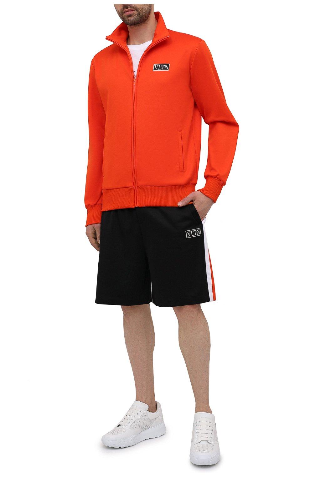 Мужские хлопковые шорты VALENTINO черного цвета, арт. WV3MD03D7LY | Фото 2 (Принт: Без принта; Длина Шорты М: Ниже колена; Материал внешний: Синтетический материал, Хлопок; Кросс-КТ: Трикотаж; Стили: Спорт-шик)