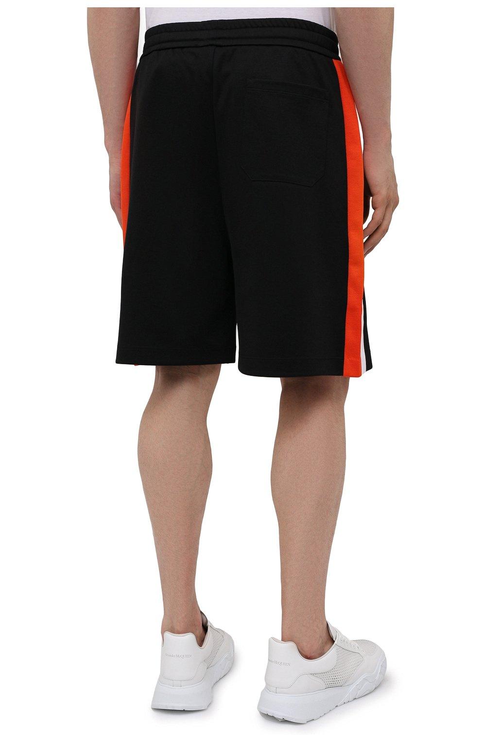 Мужские хлопковые шорты VALENTINO черного цвета, арт. WV3MD03D7LY | Фото 4 (Принт: Без принта; Длина Шорты М: Ниже колена; Материал внешний: Синтетический материал, Хлопок; Кросс-КТ: Трикотаж; Стили: Спорт-шик)