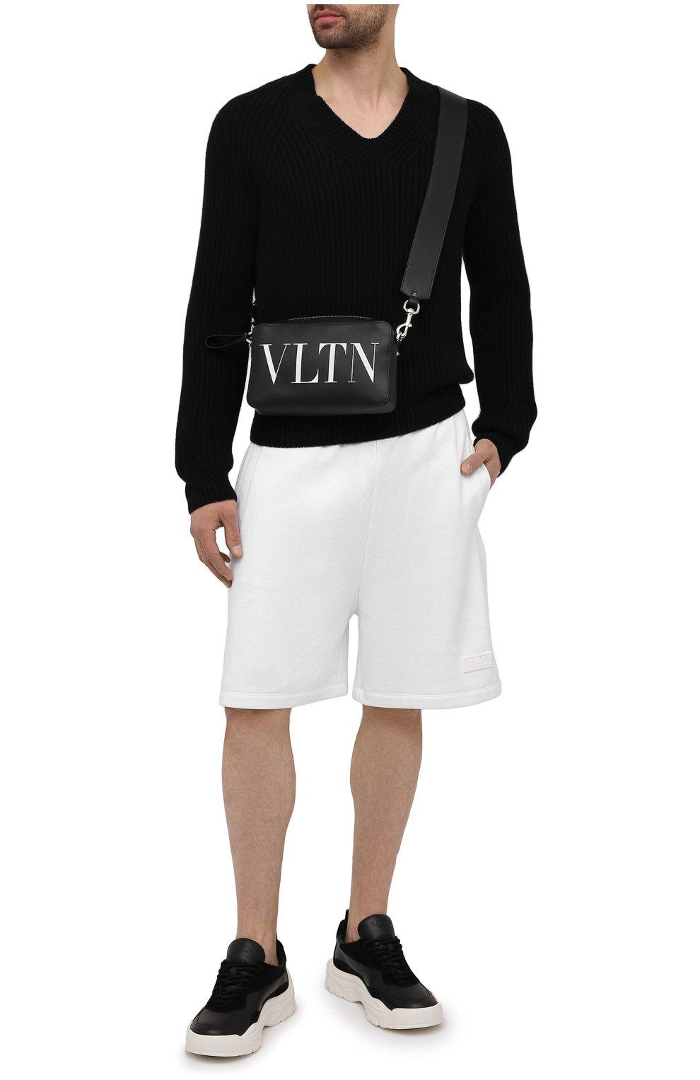 Мужские хлопковые шорты VALENTINO белого цвета, арт. WV3MD02D7FH | Фото 2 (Принт: Без принта; Длина Шорты М: Ниже колена; Кросс-КТ: Трикотаж; Материал внешний: Хлопок; Стили: Спорт-шик)
