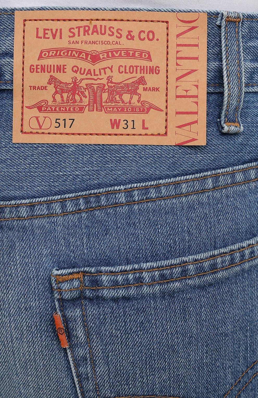 Мужские джинсы valentino x levi's VALENTINO синего цвета, арт. VV0DD01G7FJ | Фото 5 (Силуэт М (брюки): Широкие; Кросс-КТ: Деним; Длина (брюки, джинсы): Стандартные; Материал внешний: Хлопок, Деним; Детали: Потертости; Стили: Кэжуэл)
